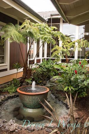 Tropical courtyard fountain_5826