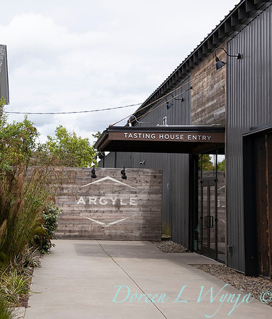 Argyle tasting room entry_1151