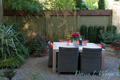 Outdoor dining_2087