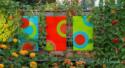 Art glass in the flower garden_9907