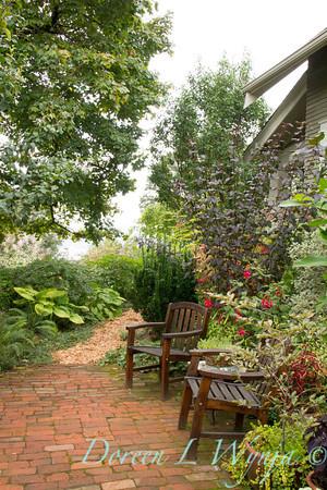 Wooden garden chairs_3864