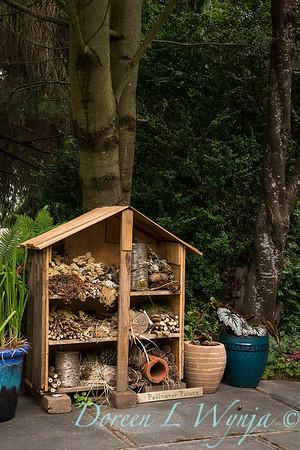pollinator house_1228