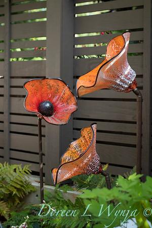 Orange acents in the Garden_6511
