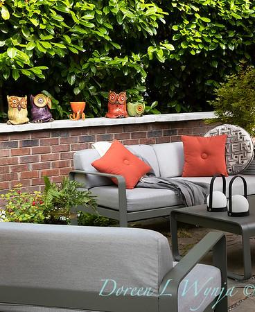 Orange acents in the Garden_6522