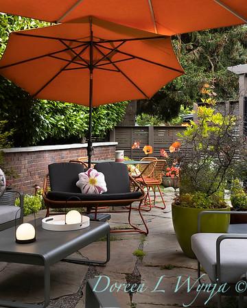 Orange acents in the Garden_6518