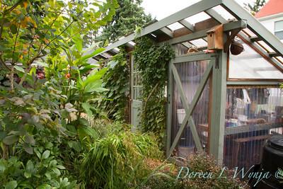 Garden potting shed_3899