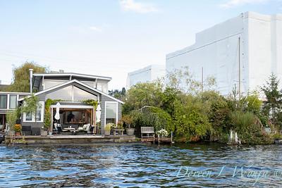 Houseboat garden deck waterfront_1159