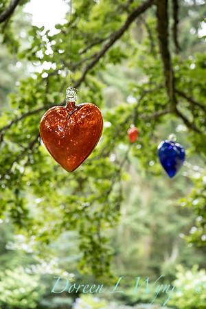 Sara's garden among the trees_140