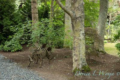 Sara's garden among the trees_115