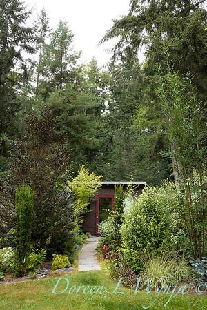 Pat & Walt garden space_315