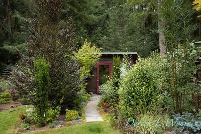 Pat & Walt garden space_314