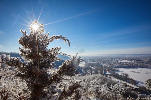 2021 UWL Rime Frost Snow Campus Bluffs 0290