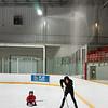麻紀、スケート練習中。隣はショーン。