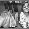 Ayoe på køkkenbordet ved kaffekande i Farum 1991