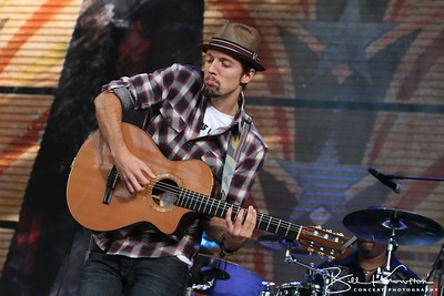 Jason Mraz performs at Miller Park in Milwaukee, WI on October 2, 2010