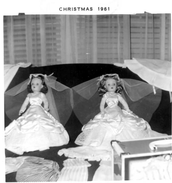 61 wedding dolls