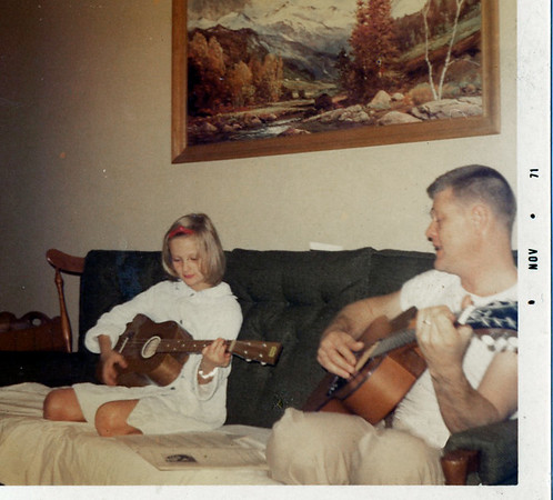 1971 Phyl Pop playing