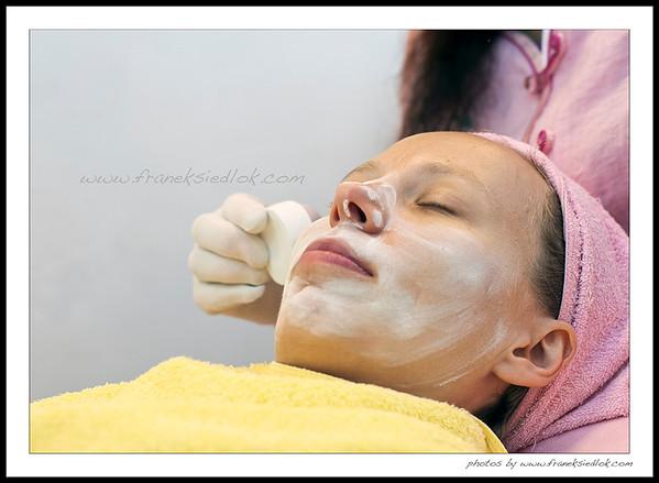 """traditional Bin Bin """"face cleaning""""  tradycyjne """"Bin Bin"""" - czyli depilacja i czyszczenie skóry niteczkami"""