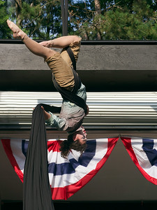 Zooid Aerial Theatre performs; The Hangman's reprise. _1270965.jpg