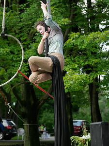 Zooid Aerial Theatre performs; The Hangman's reprise. _1270954.JPG