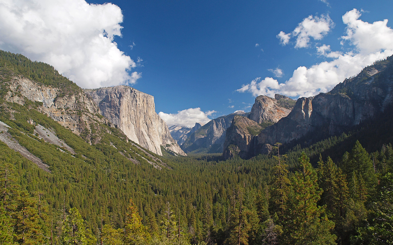 Tunnel View in Yosemite Valley - 22 Oct 2010