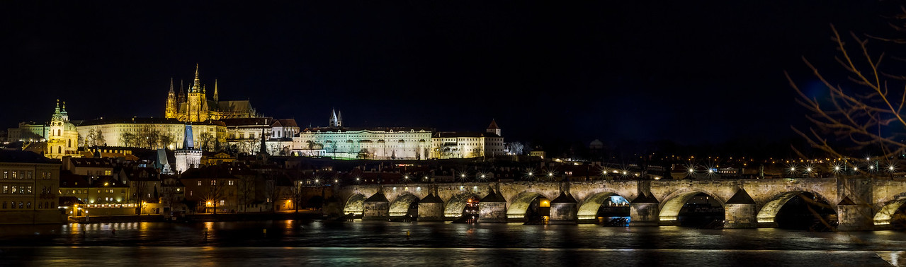Praha, castle, lights...