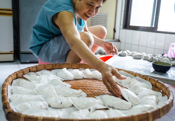 Sticky rice cakes for the Elderly Day