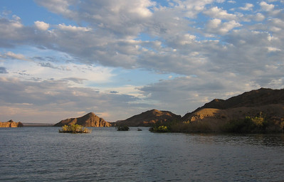 Late afternoon at Lake Mojave, Arizona