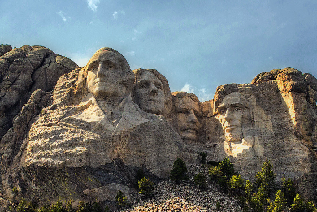 IMAGE: http://www.northerncaptures.com/Private/lens-4-sale/i-tbgGx33/0/XL/rushmore%20contest-XL.jpg