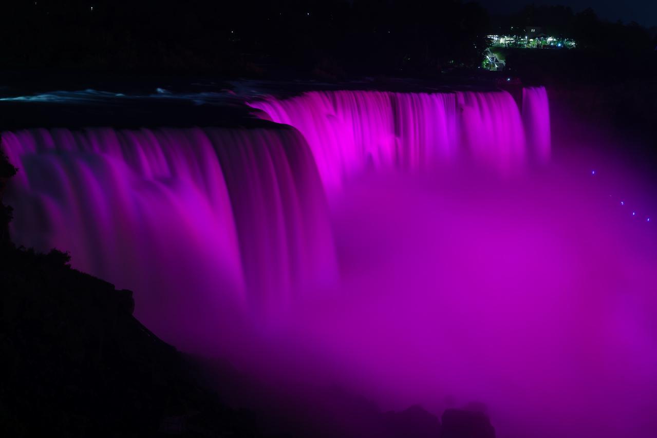 Niagara Falls pretty in pink