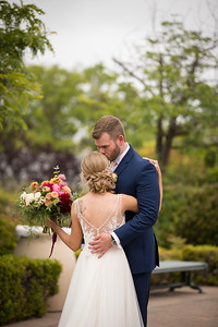 Bride & Groom-238-2484