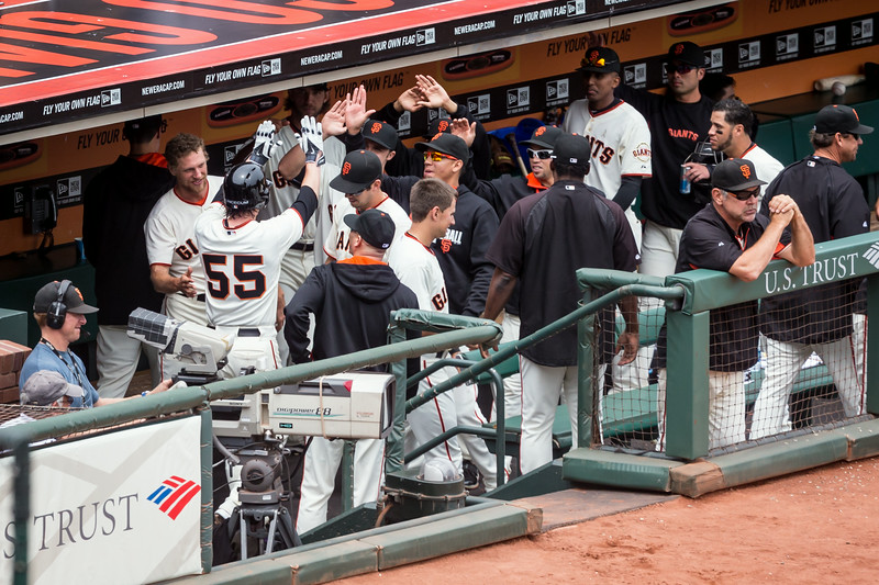 Tim Lincecum gets 'high fives'