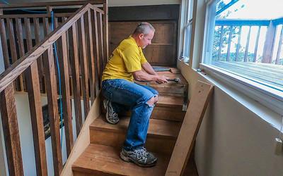 Insaling prefinished hardwood floor