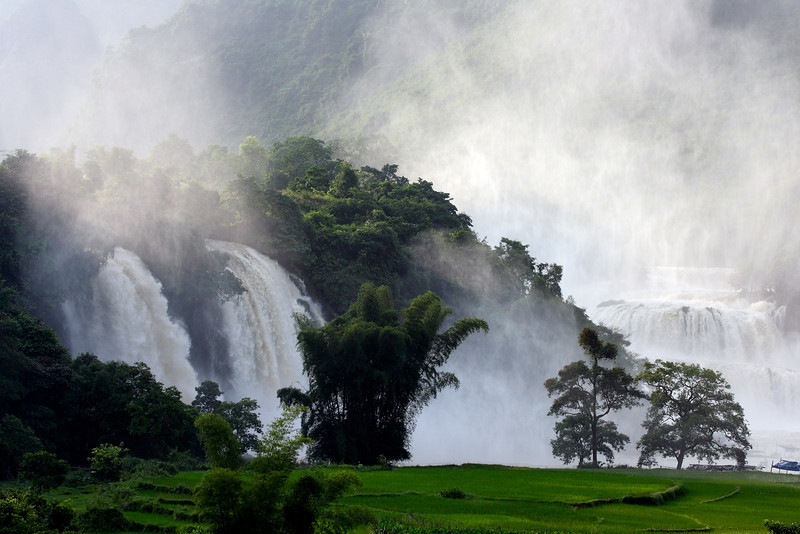 The Ban Gioc waterfall on the border of Vietnam and China