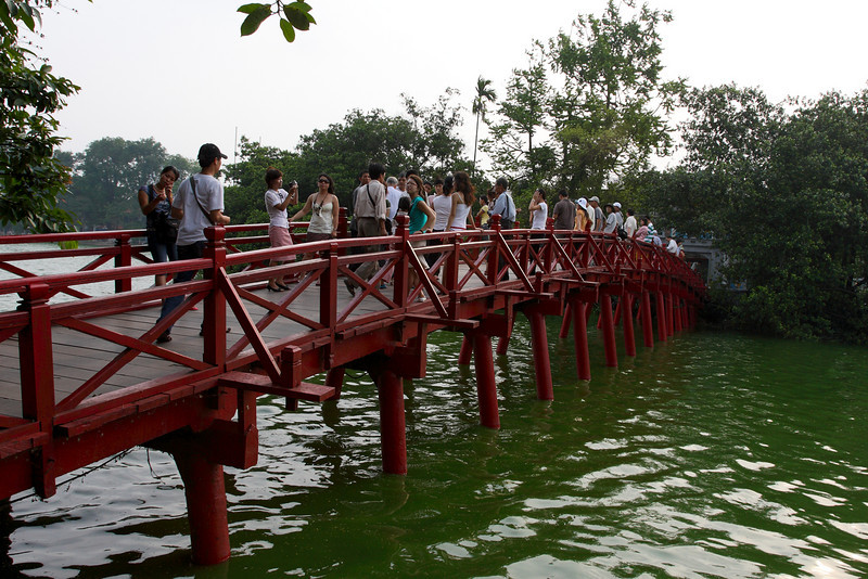 Hanoi - Hoan Kiem Lake, The Huc bridge to the Ngoc Son temple