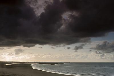 Heavy rain coming at the Brouwersdam
