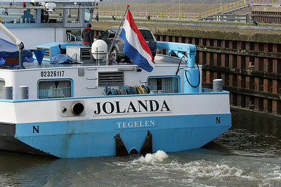 Jolanda leaving the lock