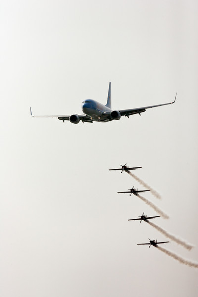 JetairFly Boeing 737 escorted by The Blades