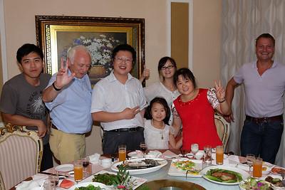 Diner van dooie vogeltjes met Mr. Li en co.