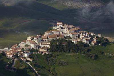 The viaalge of Castellucio