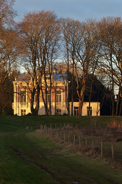 Early morning sun on an old villa near Hurwegen