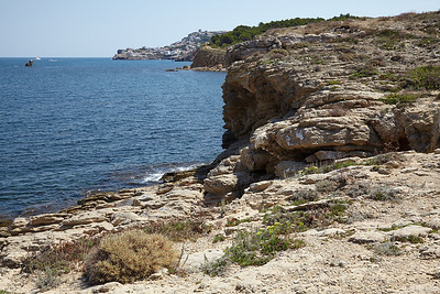 A walk to Cala montgo