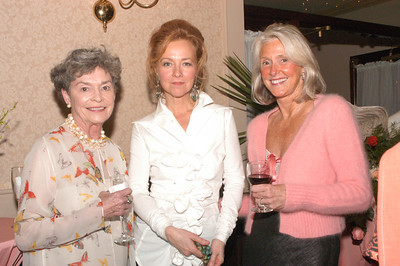 Some of Charleston's most lovliest ladies were at this event, including Nancy Smythe, hostess and weaver Susan Hull Walker and Rhett Thurman.
