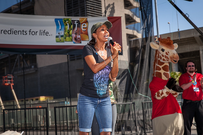 Holly Robinson Peete at the 2013 Los Angeles Walk Now for Autism Speaks Photo by Efong Chiu