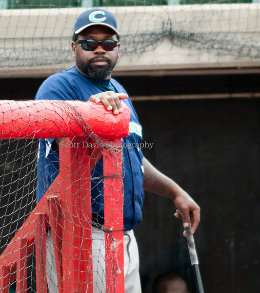 Oakland Co. Bench coach and former Cincinnati Red Dmitri Young. (Cincysortszone/Scott Davis)