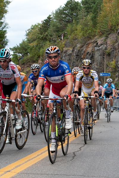 Voeckler powers through the Mount Royal climb, can he score the double today?