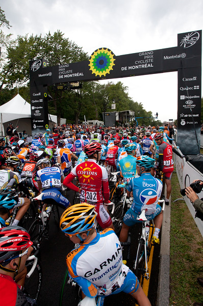 RIders lined up before the race.