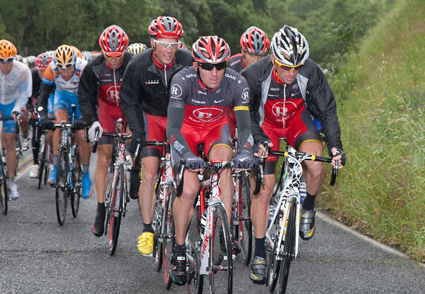 Soon the power of Popovich, Armstrong, Horner, Rubiera, and Brajkovic are stringing out the peloton.