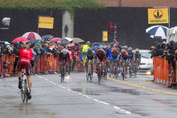 "...and the second group comes in 1'17"" after the winning time as Lance heads back to the bus..."