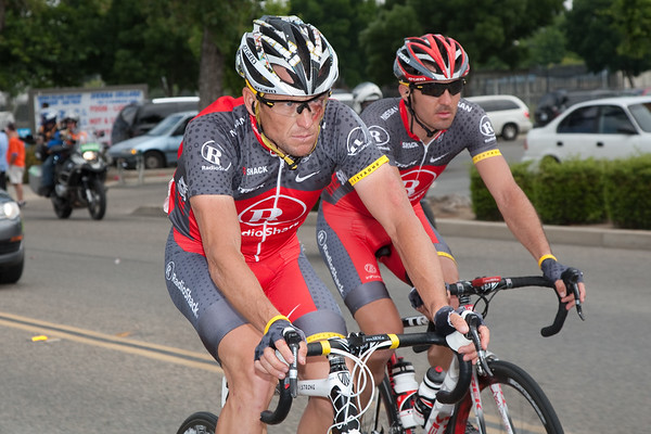It is Lance that has Johan concerned... his face and position on the bike speak volumes.